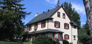 O'Flaherty's Dingeldein House B & B