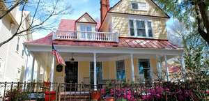 Hoge-Wood House Bed & Breakfast