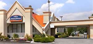 Red Roof Inn & Suites