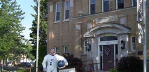 Deke Slayton Memorial Space & Bike Museum