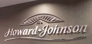 Howard Johnson Closest to the Falls and Casino