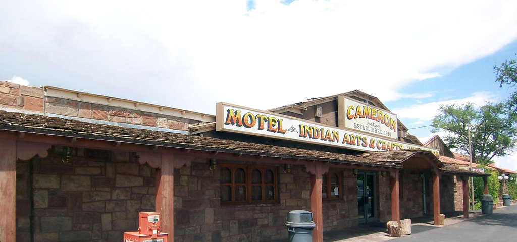 Cameron Trading Post Lodge