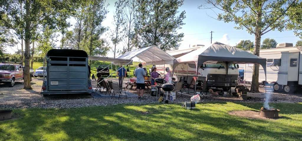Indiana full hookup campgrounds