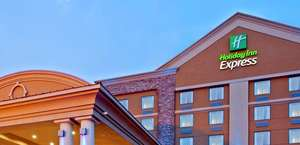 Holiday Inn Express Hotel and Suites Lincoln Airport
