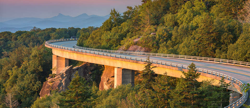 Must Drive: The Blue Ridge Parkway connects 2 national parks