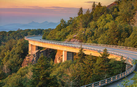 Must Drive The Blue Ridge Parkway Connects 2 National Parks Trip Guide