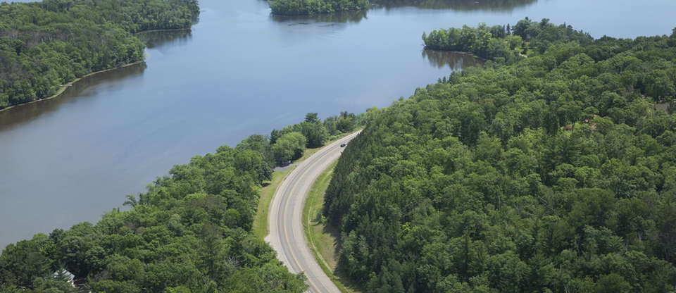 Essential attractions along the iconic Great River Road